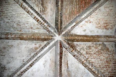 7 Wine Cellar ceiling 460