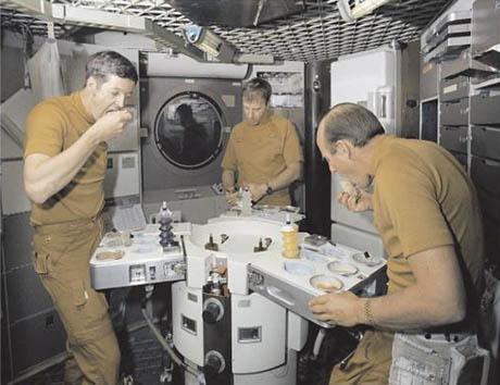 Tasting food in Skylab 460