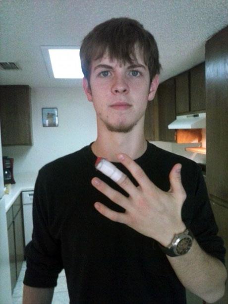 peyton-magnet-finger-460